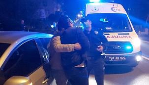 """Kaza yapan alkollü arkadaşlarını kurtarmak için polise """"Kaçtı"""" dediler"""